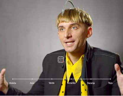 Neil harbisson es el primer cíborg del mundo y creador de la Fundación Cyborg