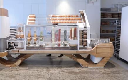 robot cocinero Creator ha sido creado por la empresa Momentum Machine en Estados Unidos. Es un robot que cocina hamburguesas
