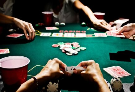 El bot que ha aprendido a jugar al póker el solo y vence a los mejores