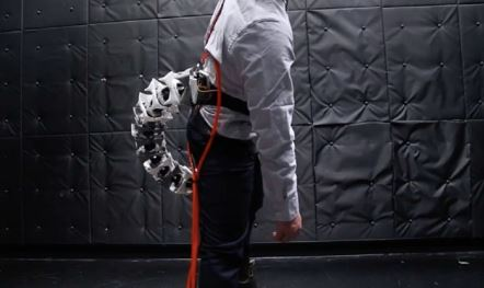 Investigadores japones investigan una extremidad robótica